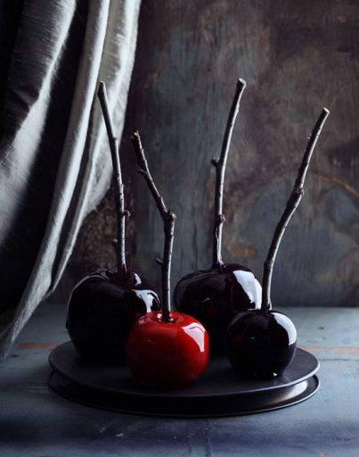 Dark Caramel Apples