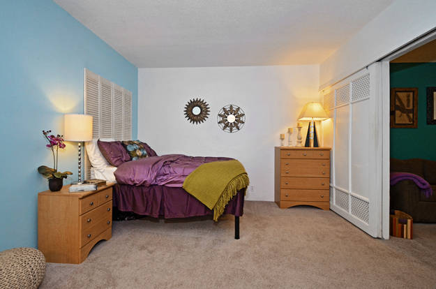 Huge Franklin Pointe bedroom withintuitive layout and plush carpet