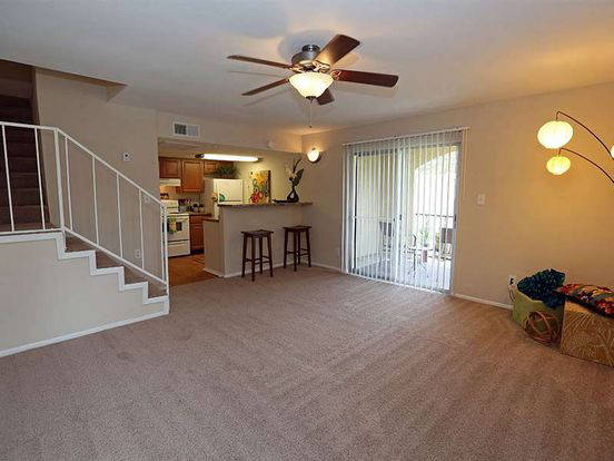 Large Parkway Square apartment with open patio