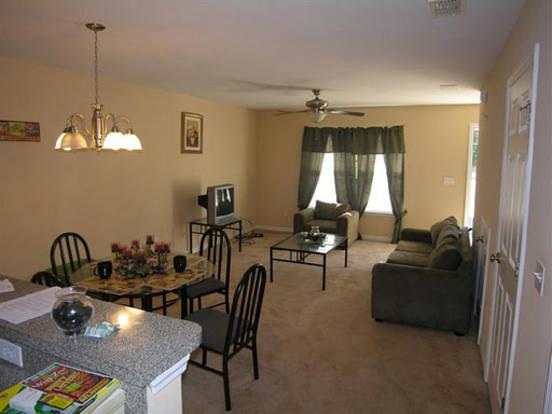 Spacious open floor plan in Rattler Point apartment