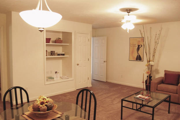 Roomy yet intimate Bradford Oaks apartment