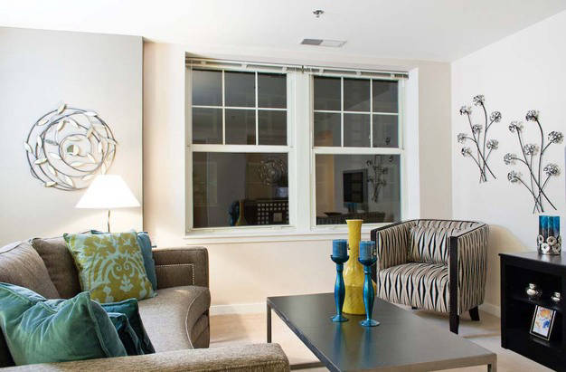Bright Residences at Forest Park Hotel living room