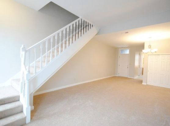 Huge & bright living space at 1946 Bentron Street apartment